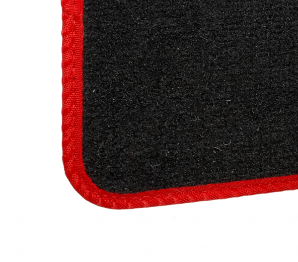 Isuzu 7.5T (1997-2006) Fully tailored car mat set