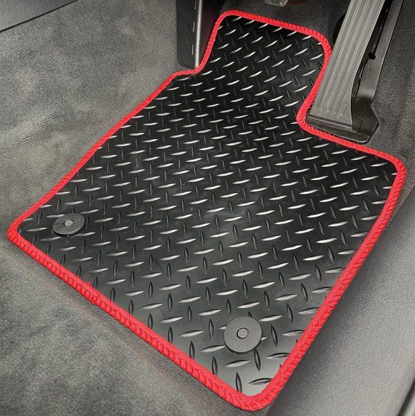 Nissan Juke (2010-2018) Fully tailored rubber car mat set